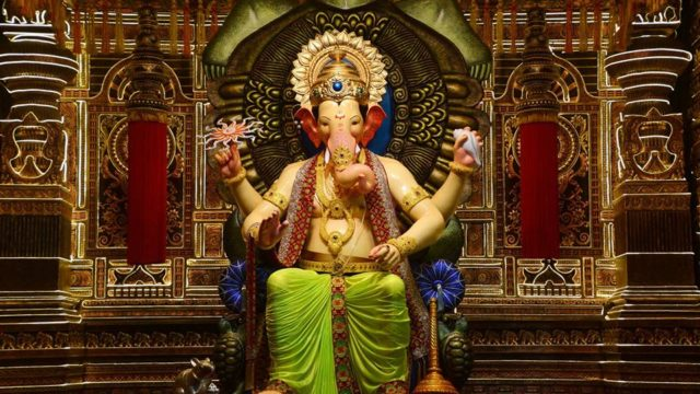 Movements of Lalbaugcha Raja 2017 Live Visarjan Darshan
